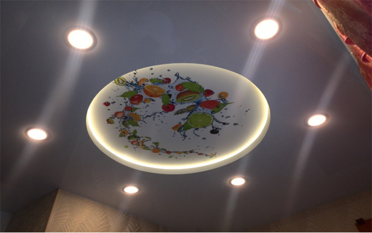 Натяжной Потолок ПВХ с Подсветкой для Кухни